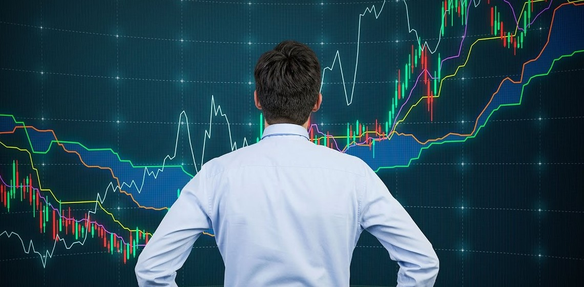 следит за волотильностью рынка